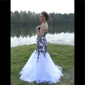 Tony Bowls Legala prom dress